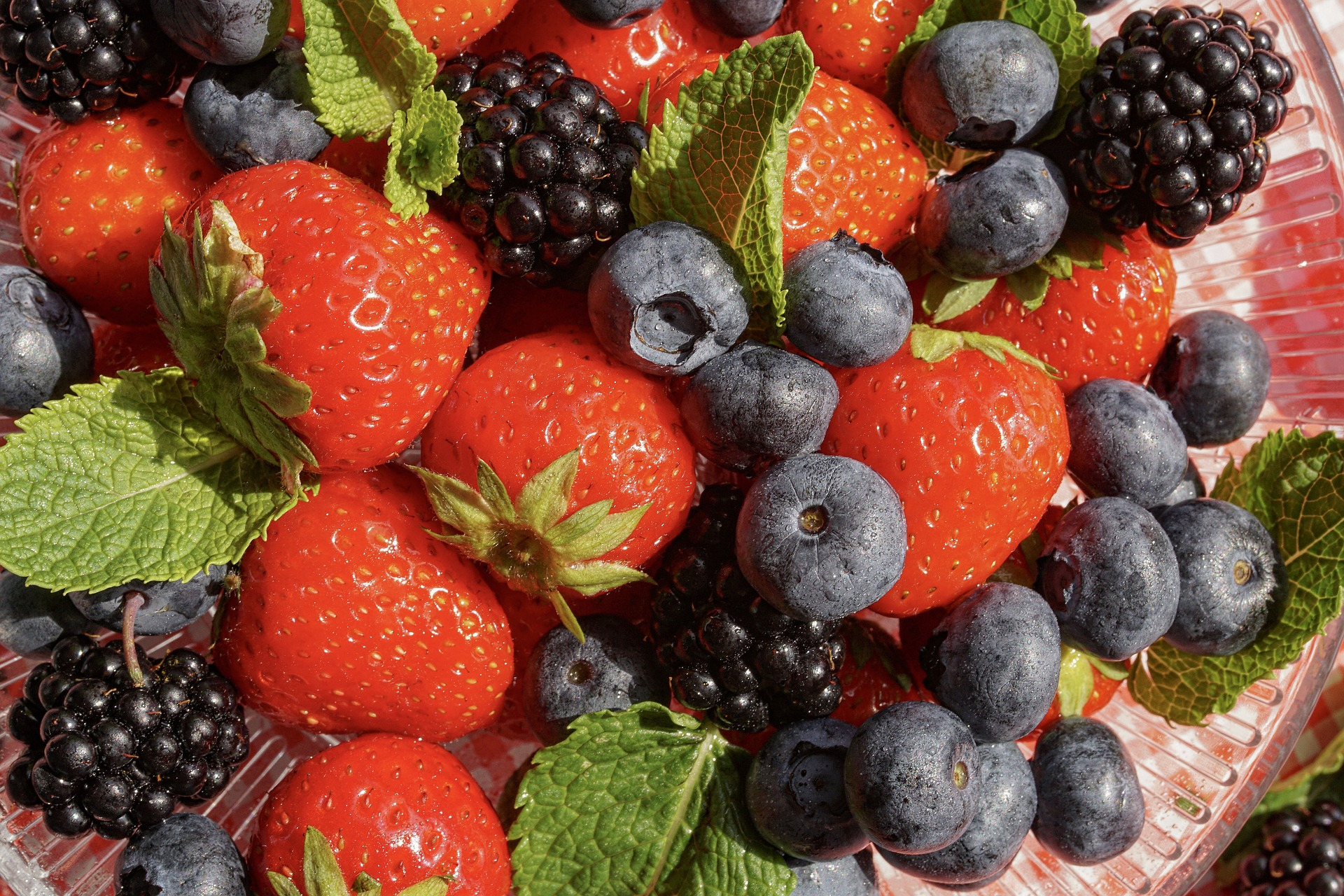 Juicing Berries for Summer